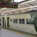 東京~高崎間で救済臨時快速列車が185系で運転 上越新幹線運転見合わせで