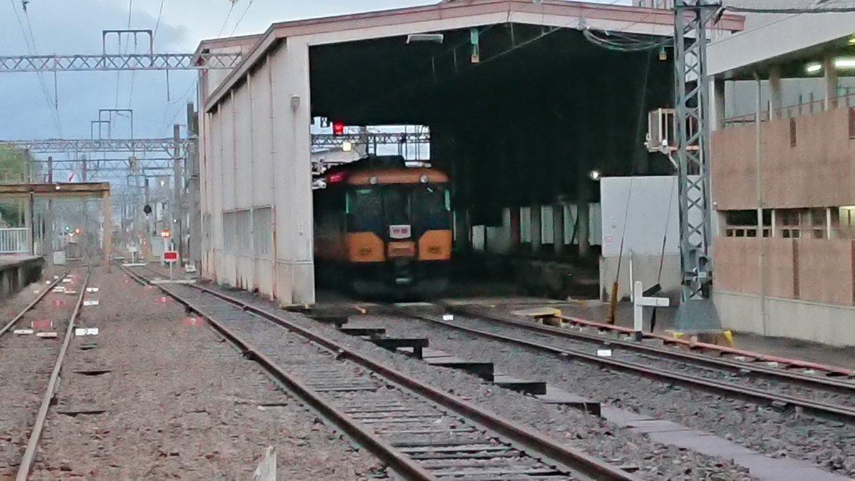 近鉄16000系Y07編成 五位堂へ検査入場へ 旧塗装(原色)消滅か