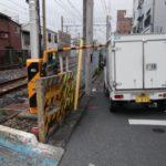 埼京線 踏切の遮断棒折れる 一時運転見合わせ