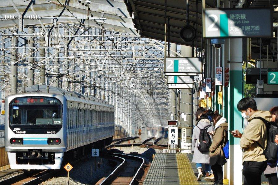 南与野駅通過線を走る快速列車の運行が終了 相鉄・JR直通線開業に伴うダイヤ改正でで快速が南与野駅に停車が理由