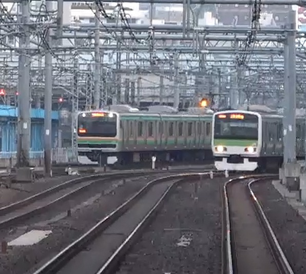 【JR東日本】2020年開催の東京オリンピックに向け英語放送が導入進む 上野東京ラインなどの中距離電車でも 接近放送が時間が約25秒長く 旧放送との比較動画もあり