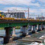 【レール運搬車】2本のキヤE195系が中央線と高崎線で試運転