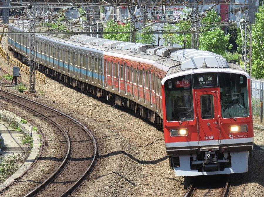 【箱根登山電車全線運転再開記念】小田急1000形が赤色4両+青色6両で運転 8/1から8/31まで