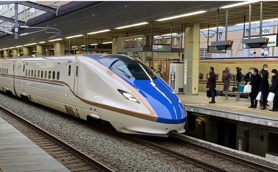 【北陸新幹線東京~金沢・和倉温泉でも割引で安く】関東に住んでてもJR西日本のクレカを作る理由 意外と知らない東海道新幹線以外の割引特典とは