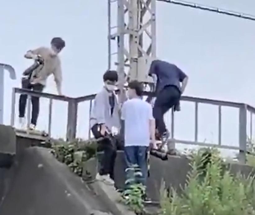 【一般人から指摘】京成線で迷惑撮り鉄4人が柵を超えて線路内侵入 鉄道営業法違反の疑い