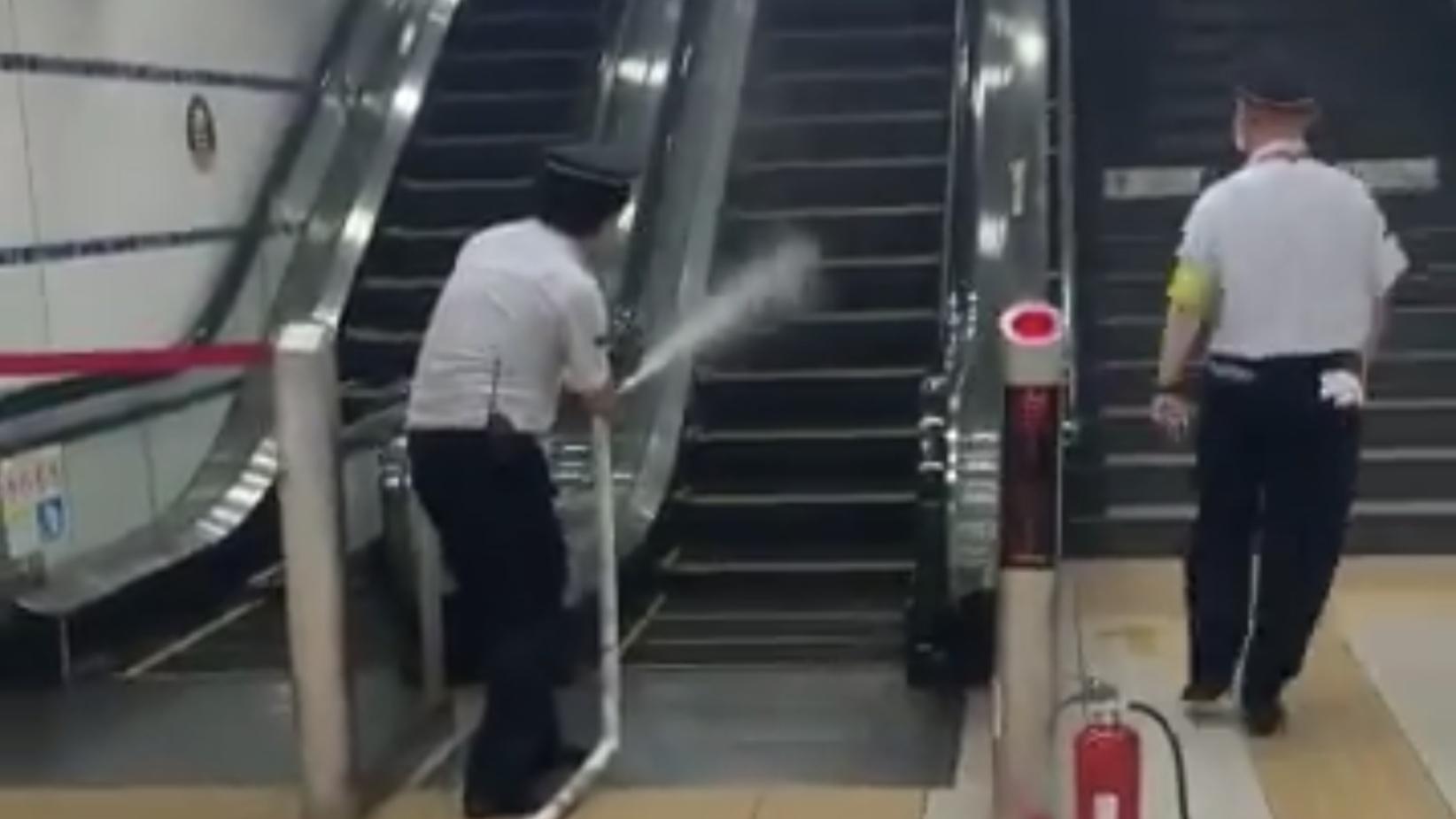 【横浜駅で火災】東急東横線・みなとみらい線の横浜駅地下5階ホームで火災報知器作動 煙が充満し避難誘導が 原因は普段よく使うアレだった