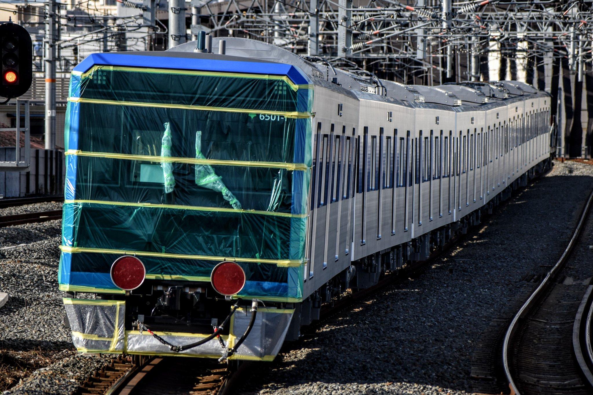 【電子レンジ?】22年ぶりの新型車両都営6500形6501Fが甲種輸送 三田線では初の8両編成
