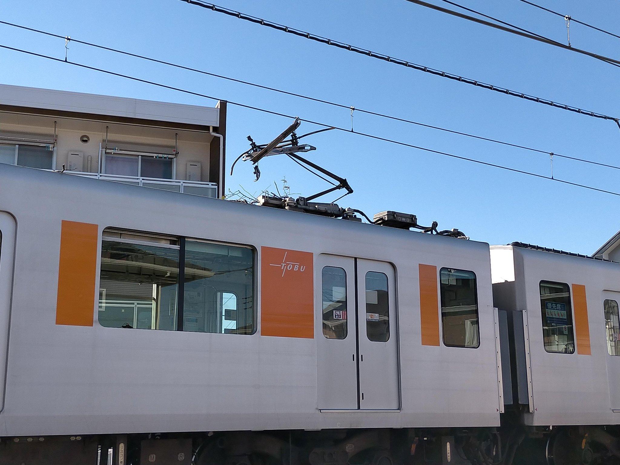 【東武東上線】倒木との衝突で長時間運転見合わせ 50000系51005Fのパンタグラフが大破