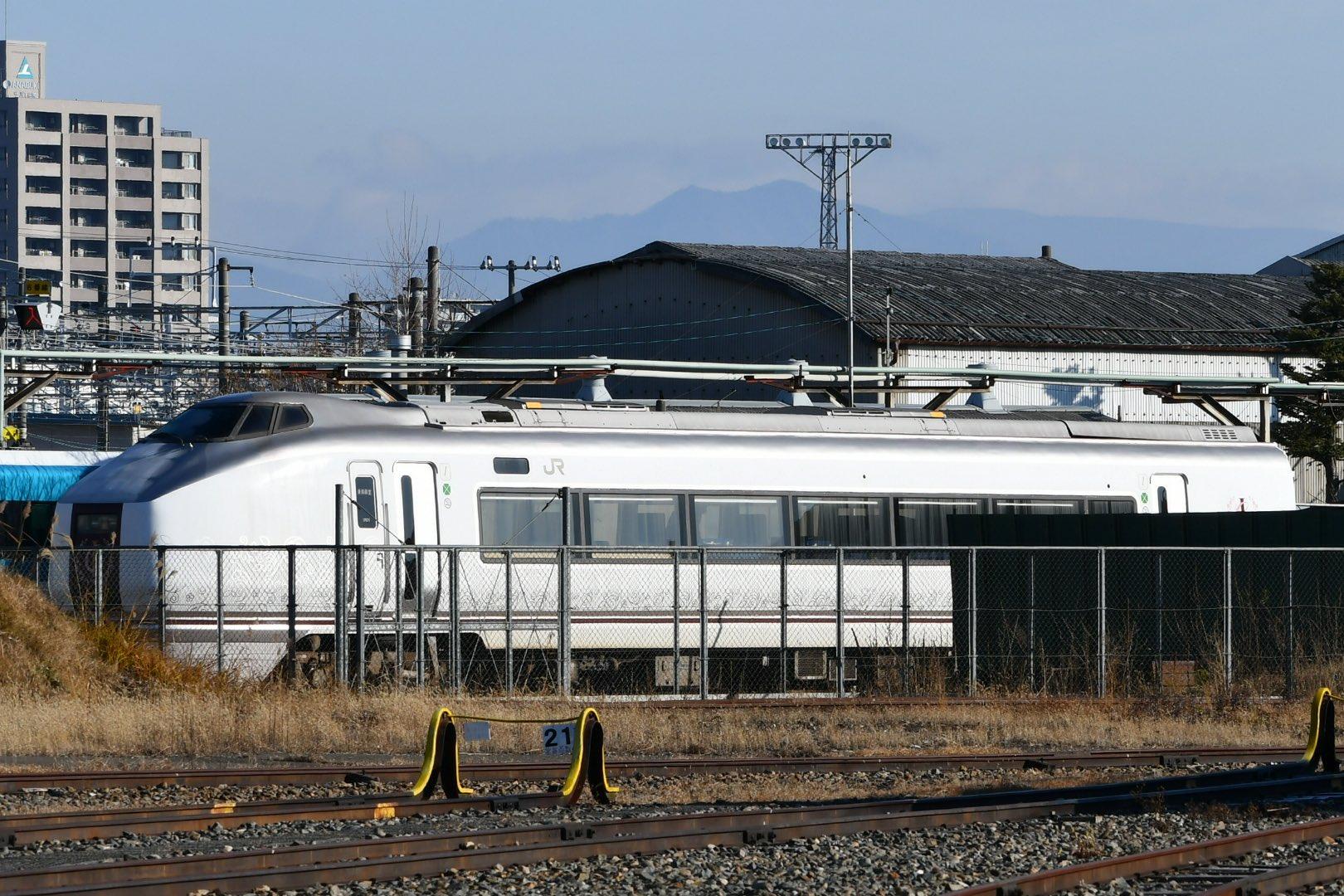 【伊豆クレイル】長野総合車両センターで651系1000番台IR01編成が解体