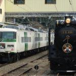 185系B5編成が団臨で信越線横川駅に入線 SLぐんまよこかわと並ぶ