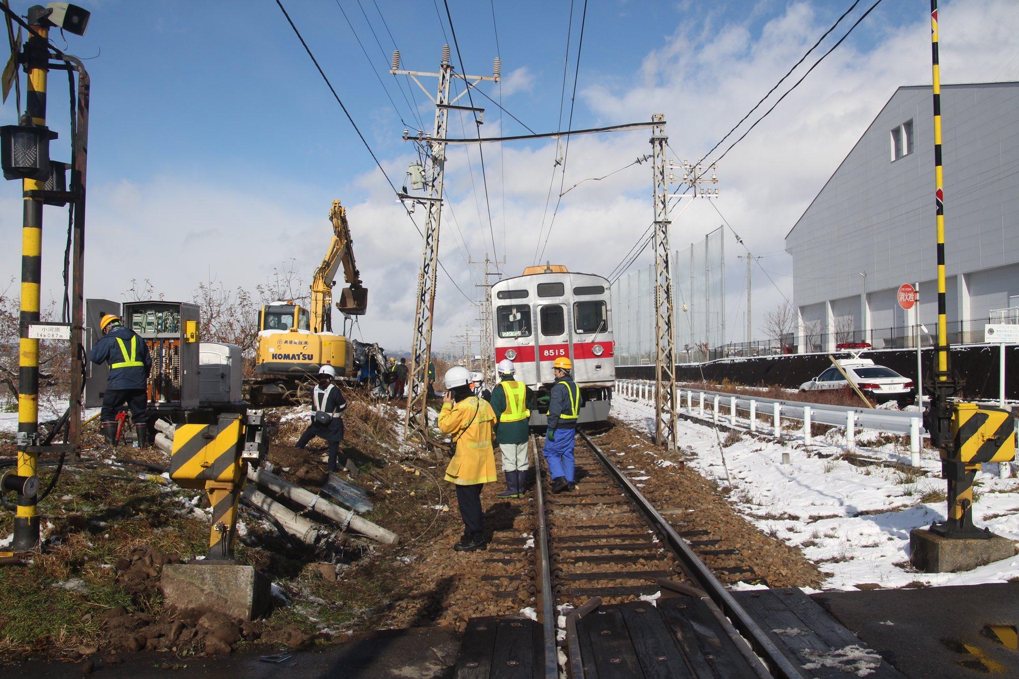 【長野電鉄】踏切事故で車と電柱が大破 当該の8500系T5編成は廃車か?