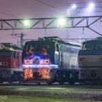 【JR貨物からのクリスマスプレゼント】吹田機関区のEF200-2にライトアップ装飾&オリジナルHM