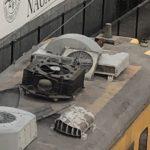 【悲報】軽井沢に保存されているクモハ169-6の屋根上が突如大破し悲惨な姿に 一体なぜ