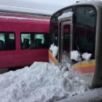 【新潟で9時間以上運転見合わせ】大雪の除雪作業のため電車が運休 身動き取れない状態に