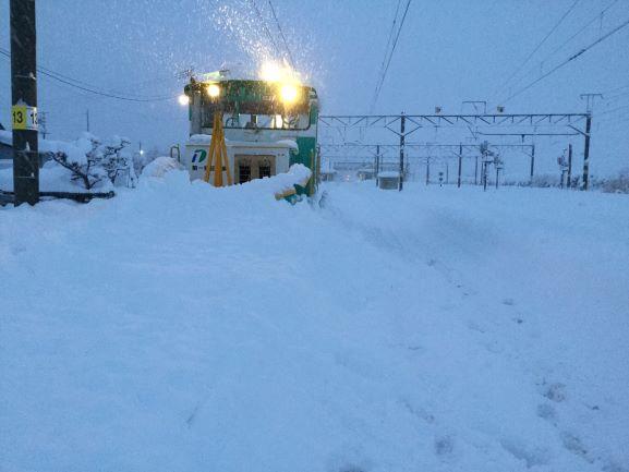 JR東日本、新潟エリア大雪で始発から終日全線運転見合わせを発表
