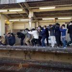 【連日大暴走】京成のネタ列車最終日に撮り鉄殺到 江戸川では罵声大会も