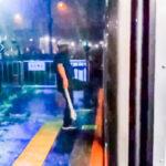 【JR東日本】宇都宮線土呂駅で大幅オーバーラン 後退不可で通過扱いにするも 乗客ブチ切れ傘で殴り込みに