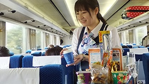 【東武鉄道】全ての特急の車内販売・自動販売機の営業終了