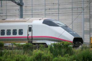 【復活ならず】E3系0番台R21編成が廃車に 解体線へ移動 運用離脱から約10ヶ月放置